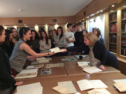 Nea Erythraia Lyceum Visits the Gennadius Library